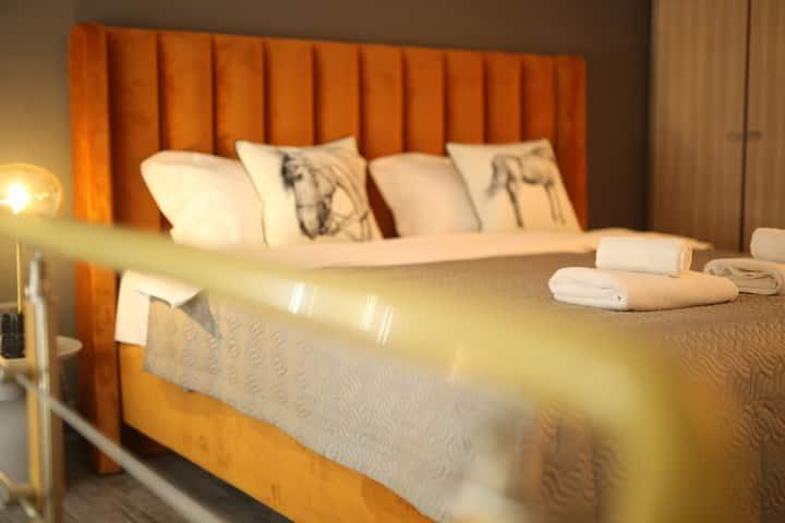 「一半.悉尼」4米超高落地窗配浴缸的温馨loft,步行15分钟抵达春熙路太古里,近地铁1 2 3号线