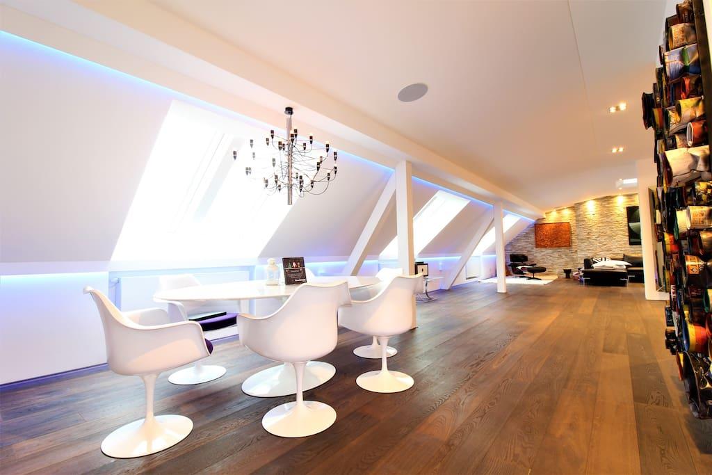 luxuri ses loft zentral hochwertige einrichtung lofts. Black Bedroom Furniture Sets. Home Design Ideas