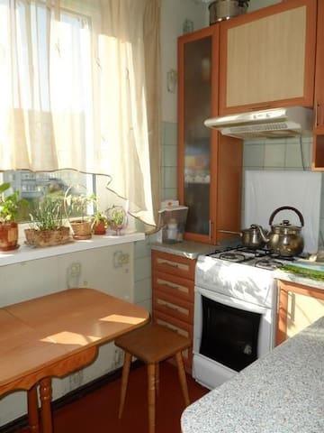 Квартира возле метро Холодная гора