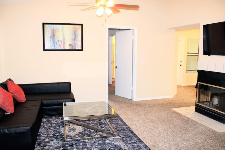 Comfy Apartment Near Theme Parks