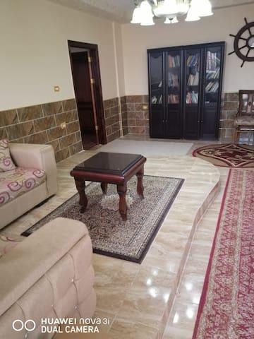 شقة ملوكية مفروشة للايجار