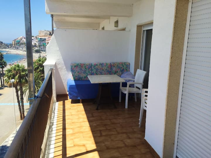 Apartment with 2 bedrooms in Almuñécar, with wonderful sea view and furnished balcony - 80 m from the beach