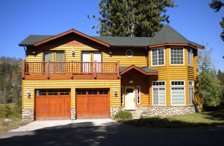 Luxurious Tahoe Cabin - South Lake Tahoe - Dom