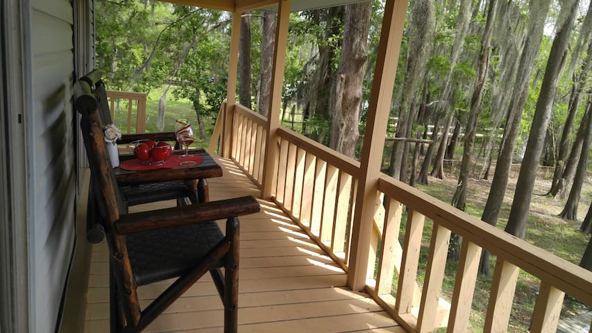 Lakefront Upstairs Getaway with Gorgeous View - Campti - Dom