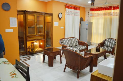 Homestay 2BHK with compliment breakfast & Kitchen