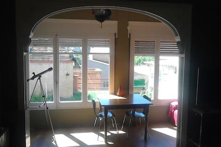 Habitacio doble a casa amb jardi - Súria