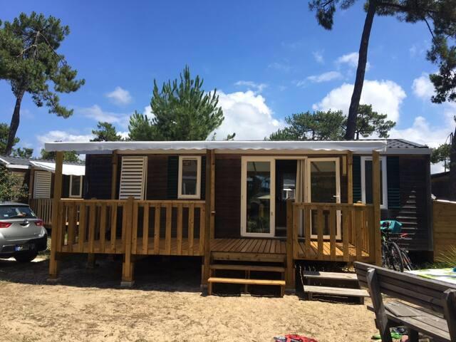 Bungalow 6 personnes dans Camping 5 étoiles