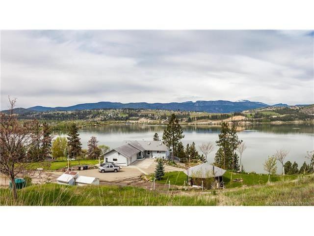 Lake Country Semi-Waterfront Paradise
