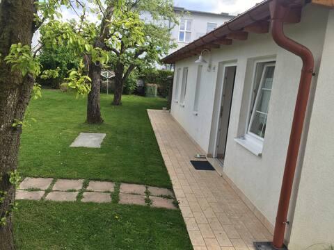 Schöner ruhiger Gartem zum entspannen Nice Garden for relaxing