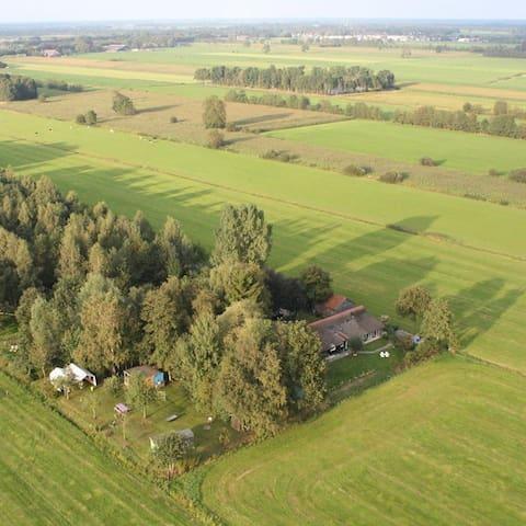 Gedeelte van woonboerderij met vrij uitzicht