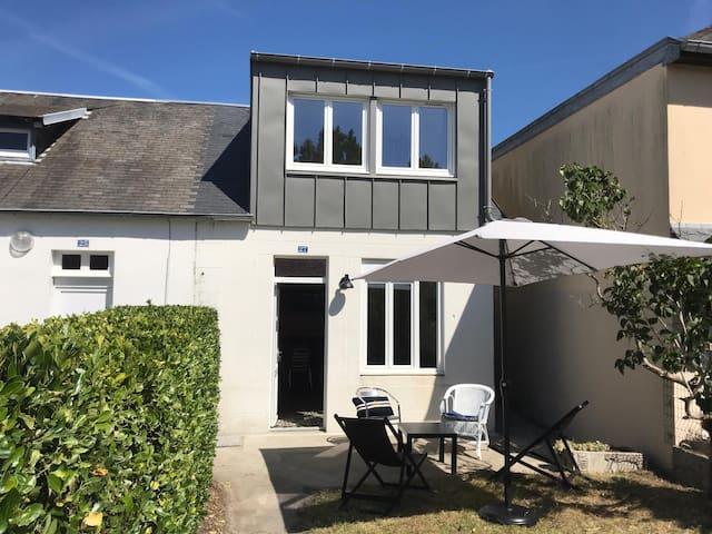 Charmante maison avec jardin - Coutainville centre
