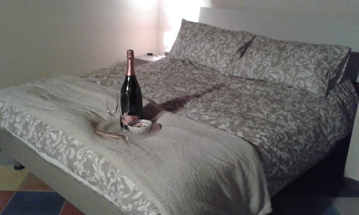 """Porta Rossa"" House - Nocciola Room"
