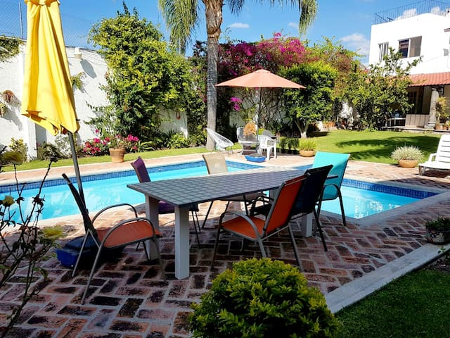 LAS VILLITAS  FLAT WITH P☺☺L, 10 MIN TO CENTER - San Miguel de Allende - Departamento
