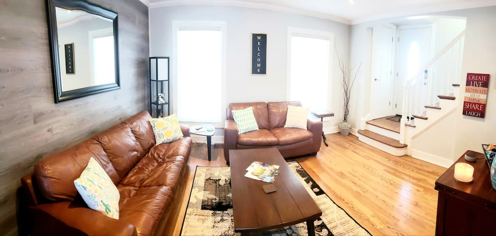 5 Star Entire Cozy Home 20 min to City,  O'Hare