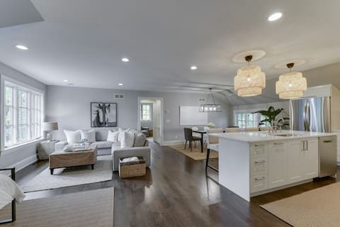 Lake Harriet Carriage House: Owned by Designer