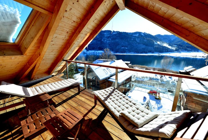 180m² attico: vista lago, spiaggia privata & spa