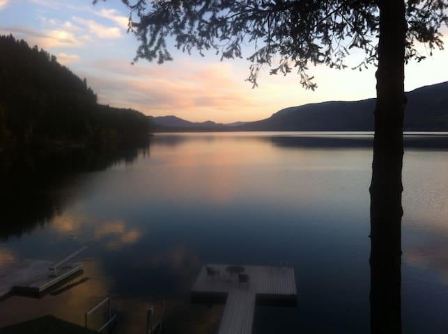 English Cove Chalet - Christina Lake - Cabin