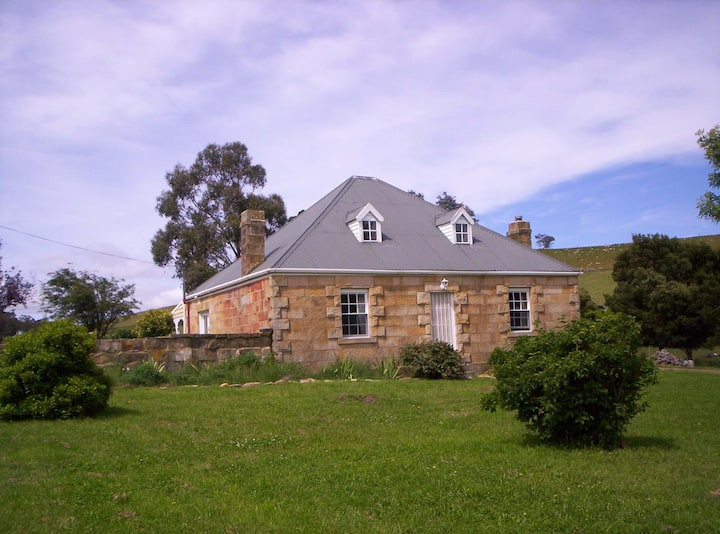 Stuartfield House (Heritage Listed Sandstone Home)