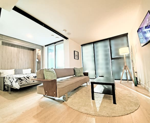 Yaletown Luxury Condo in the Heart of Downtown