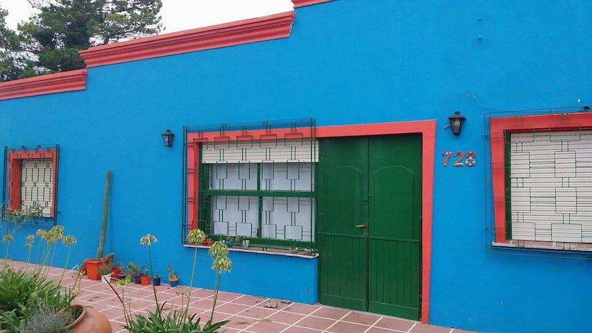 Habitación con cama doble en casa quinta - Tandil - Ev