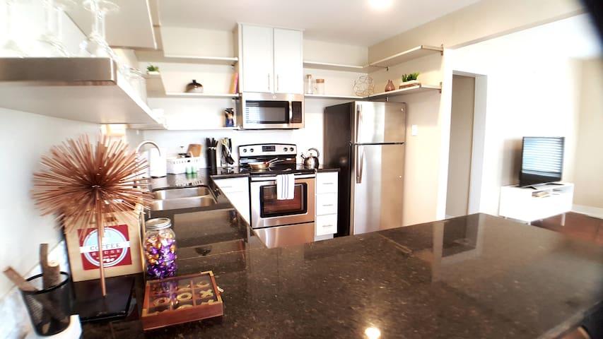 💓Cool Apartment in Hip Montrose neighborhood #1