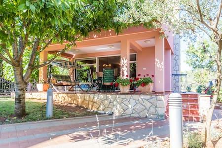 Villa Cvita terrace, BBQ boat berth - ซุโคซัน - วิลล่า