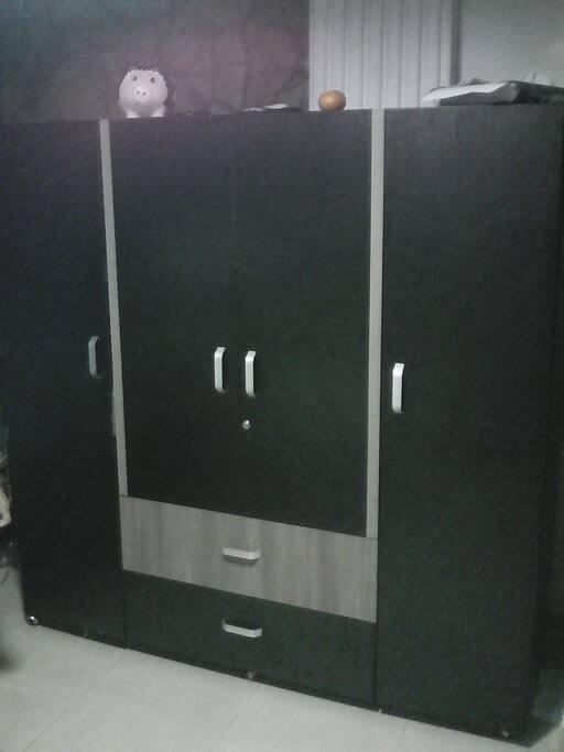 Closet para guardar la ropa con llave