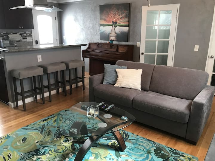 Comfort & Luxury ( Back-House ) 5 mins from LAX