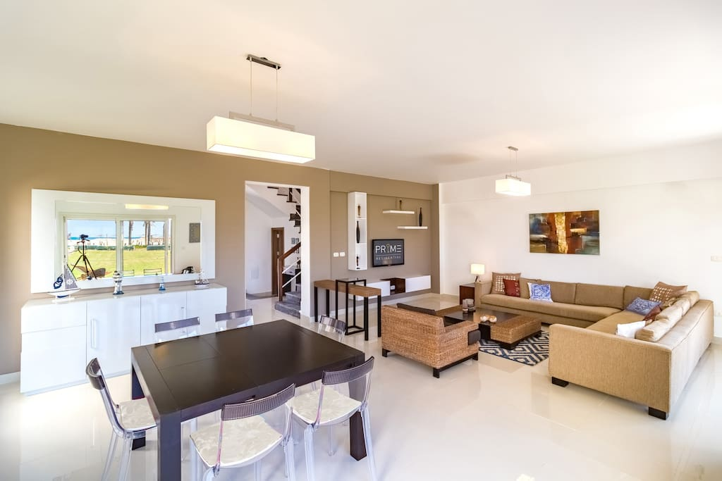 Prime Living room and Dining