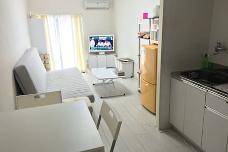 2-3min from Ueno sta! 3floors with roof top house - Taito - Casa