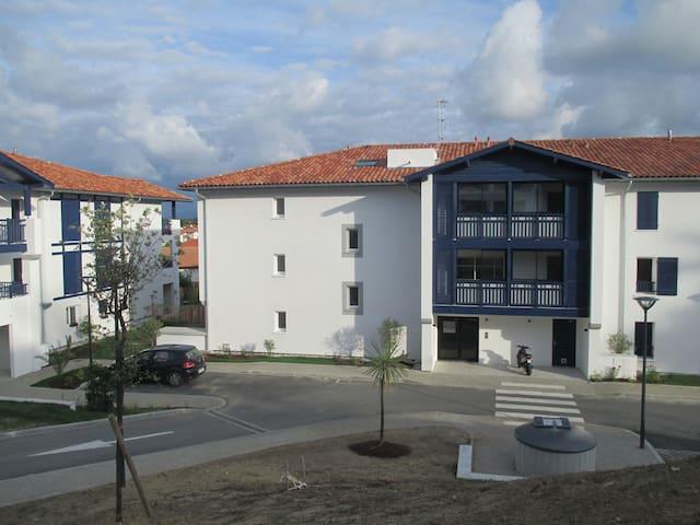 appartement avec loggia , plage et centre à pied - Bidart - Lägenhet
