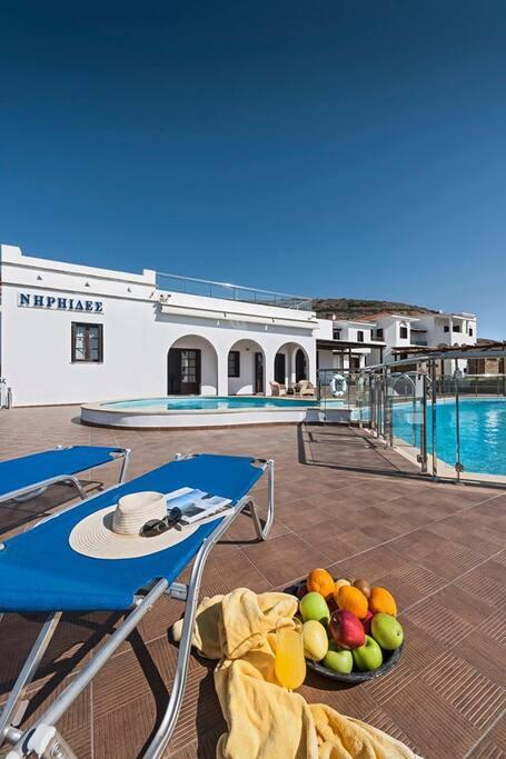 Χώρος Πισίνας | Pool Area