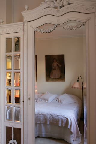 House in Senlis, Calm&Authenticity  Frenchstyle