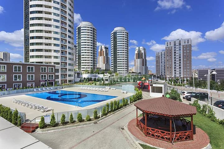 Cosy apartment with swimming pools and spa - Başakşehir - Flat