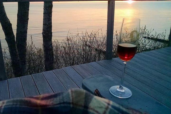 Autumn getaway -Private Lake Michigan beach house