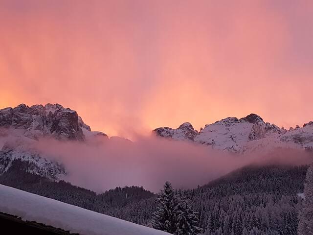 Vacanza tra le  Dolomiti, relax, passeggiate e sci