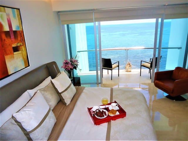 Beach Front luxury apartment Cancun hotel zone