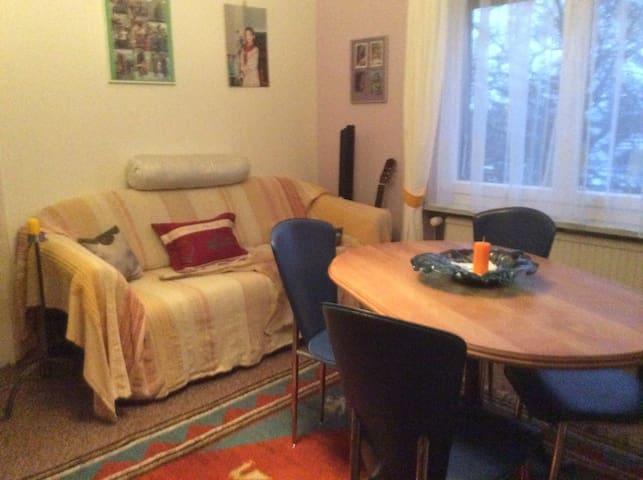 """Zimmer """"Simon"""" auf eigener Etage - Horn - Wohnung"""