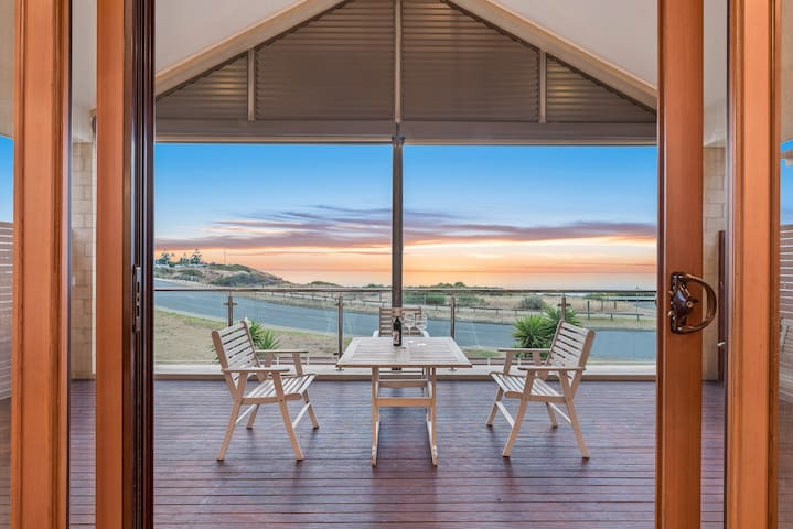 Ocean View Beach House - Port Noarlunga South