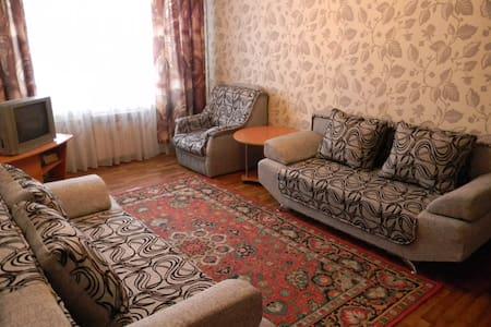 2-х комнатная квартира в центре города - Novokuznetsk