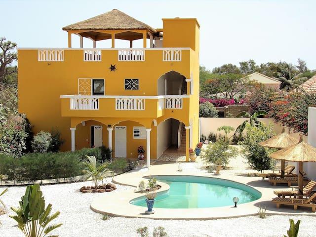 Warang - jolie maison avec piscine