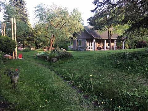 Migunu Holiday Cottage Vilnius(Garden,BBQ & SAUNA)
