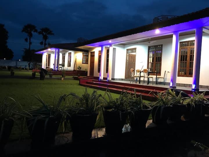 Golden Temple Villa 2 (New) Breakfast Included