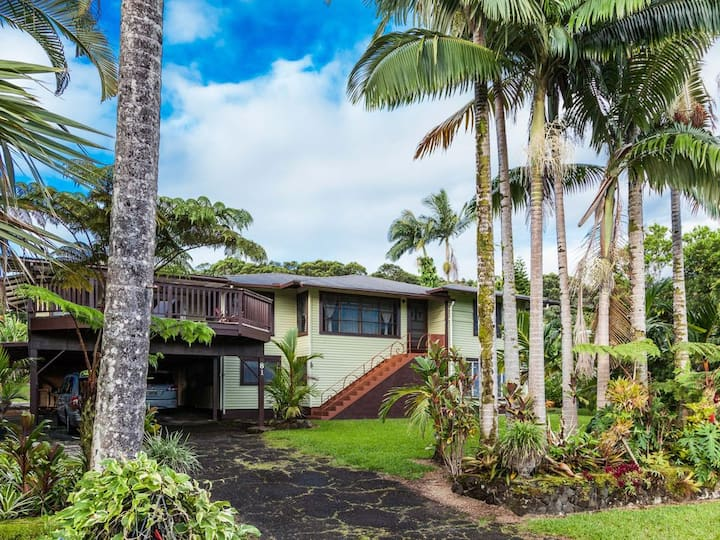 Traditional Home near Rainbow Falls- Solar power!