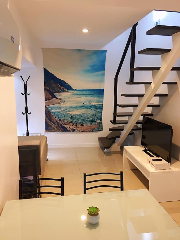 NEW! Modern Cozy 2 Bedroom LOFT BGC! w/ Netflix