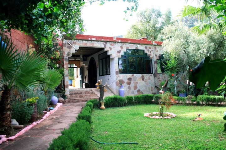 Dar l'eau Vive - One-bedroom Bungalow in quiet and relaxing Atlas Mountains