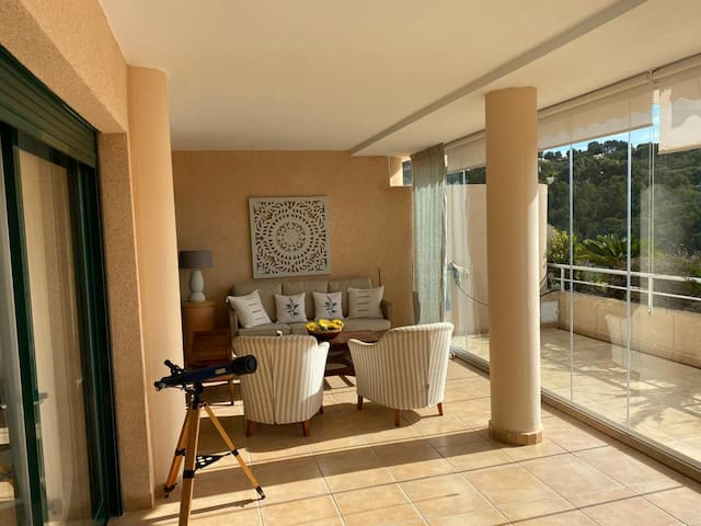 Absolute comfort-apt with views and close to golf
