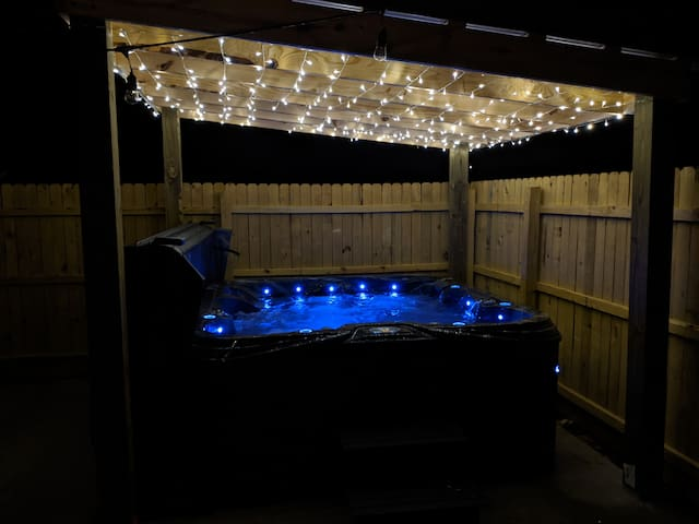 Hot tub, Lego wall, theater room, over 100 games!