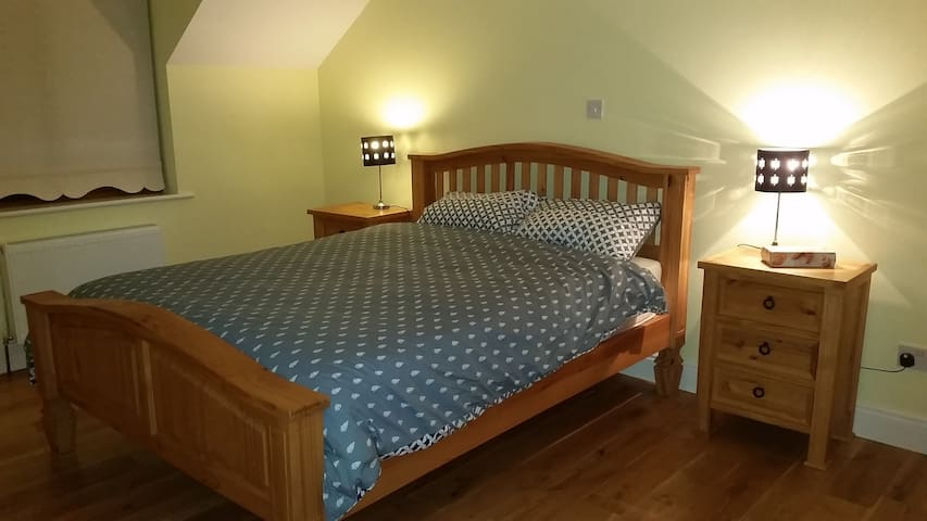 #LM EnsuiteDoubleRoom SharedSelfCatering,Loughrea - Galway