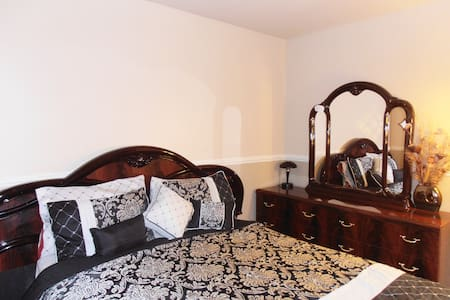 Comfy and spacious private room - Salinas - House